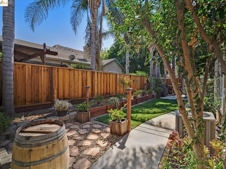104 Heritage Way Brentwood CA Home. Photo 30 of 31
