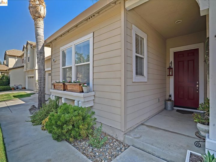 104 Heritage Way Brentwood CA Home. Photo 4 of 31