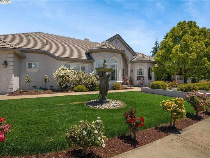 12330 Harding Ave San Martin CA Home. Photo 2 of 33