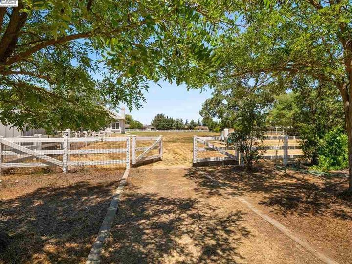 12330 Harding Ave San Martin CA Home. Photo 29 of 33