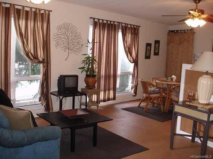 1302 Hele St Kailua HI Home. Photo 8 of 10