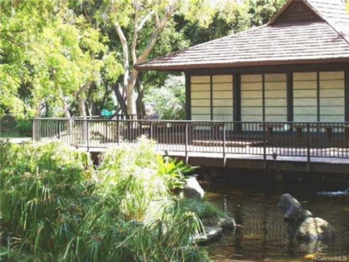 Queen Emma Gardens condo #931. Photo 3 of 10