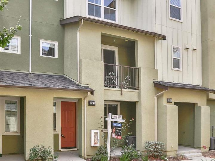 1541 Coyote Creek Way, Milpitas, CA, 95035 Townhouse. Photo 1 of 40