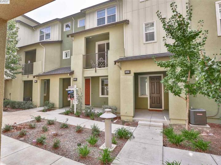 1541 Coyote Creek Way, Milpitas, CA, 95035 Townhouse. Photo 3 of 40