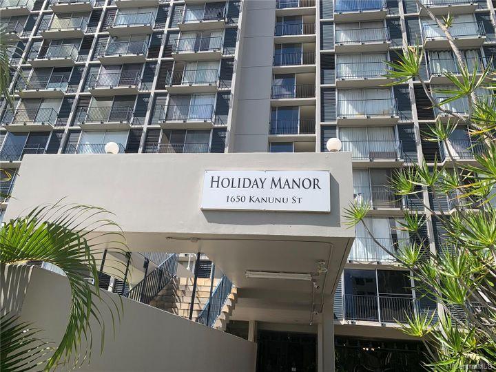 Holiday Manor condo #915. Photo 1 of 7