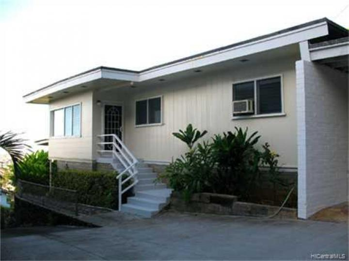 2210 Round Top Dr Honolulu HI Home. Photo 3 of 10