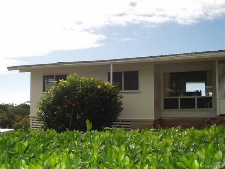 301 Anonia St Honolulu HI Home. Photo 2 of 6