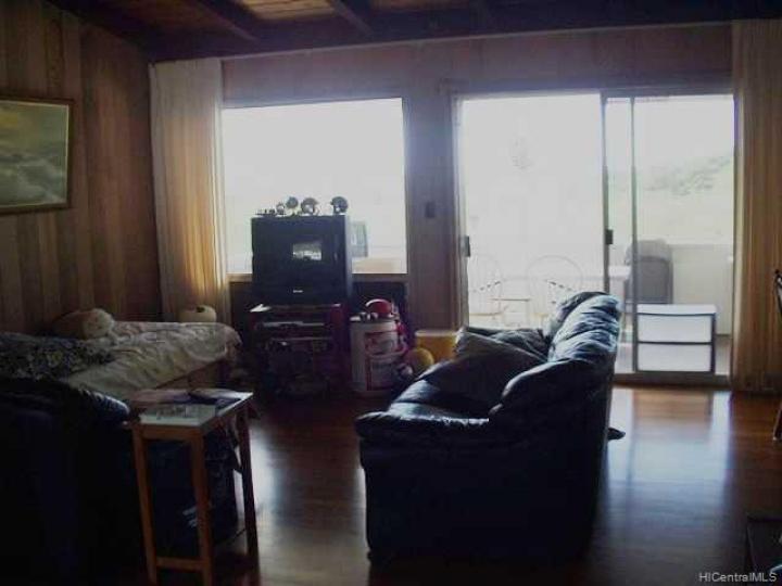 301 Anonia St Honolulu HI Home. Photo 3 of 6