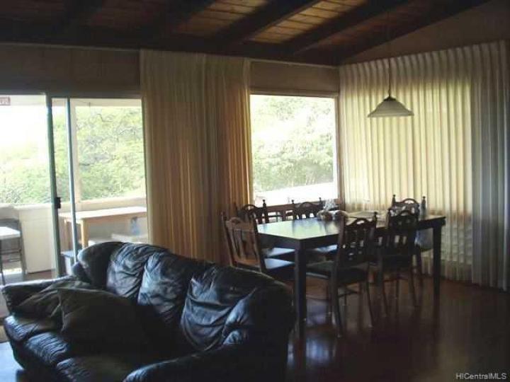 301 Anonia St Honolulu HI Home. Photo 4 of 6