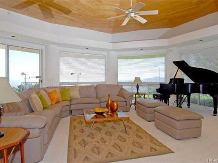 431 Puuikena Dr Honolulu HI Home. Photo 2 of 10