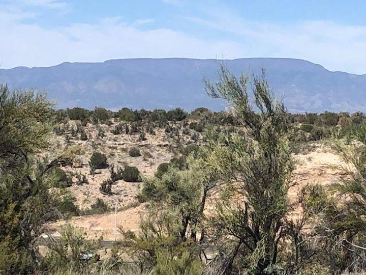 6695 N Canyon Rd Rimrock AZ Home. Photo 4 of 9