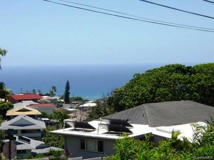 Honolulu HI Home. Photo 2 of 10