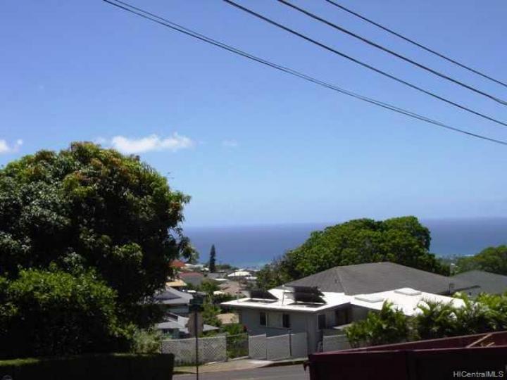 Honolulu HI Home. Photo 3 of 10