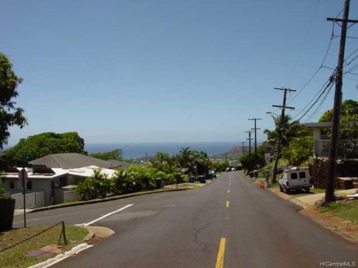 Honolulu HI Home. Photo 8 of 10