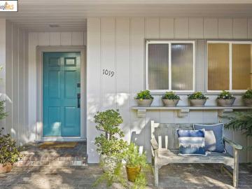 1019 Middlefield Rd, Park Hills, CA