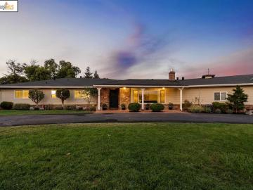 10950 Lochard St, Chabot Highlands, CA
