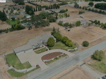 12330 Harding Ave San Martin CA Home. Photo 3 of 33