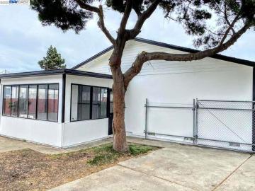 1305 Ruus Ln Hayward CA Home. Photo 2 of 18