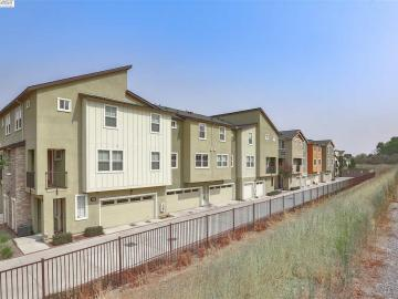 1541 Coyote Creek Way, Milpitas, CA, 95035 Townhouse. Photo 5 of 40