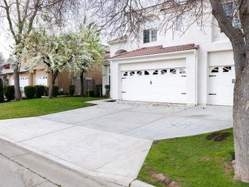 1712 E Utah Ave, Fresno, CA