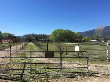 2235 Hardy Ln, Under 5 Acres, AZ
