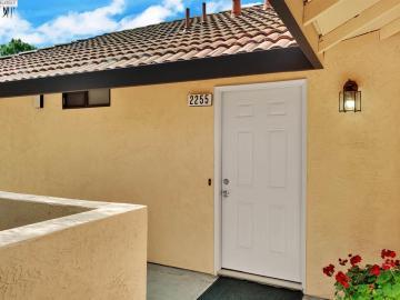 2255 Renwick Ln, Hillcrest Meadow, CA