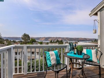 2267 Clearview Cir, The Terraces, CA