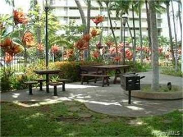 Liliuokalani Gardens condo #II/720. Photo 4 of 8