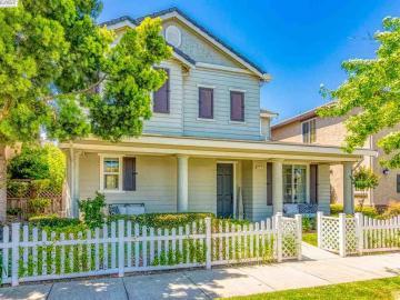 324 Applegate Dr, Oakdale, CA