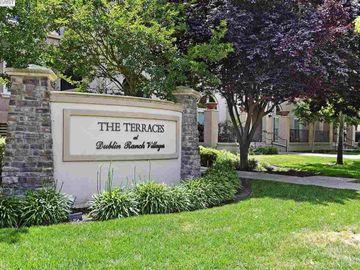 3420 Finnian Way unit #314, The Terraces, CA