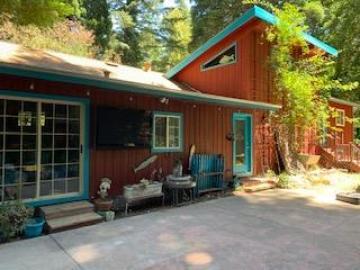 350 Manzanita Rd, Boulder Creek, CA