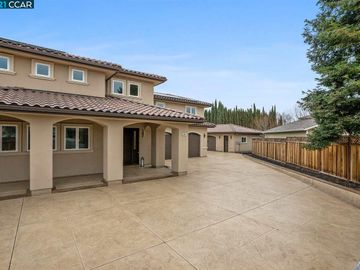 3663 Vine St Pleasanton CA Home. Photo 3 of 40