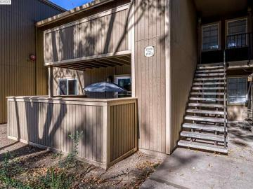 37272 Spruce Ter, Centerville, CA