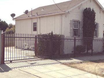 3820 Waller Ave, Park Plaza, CA