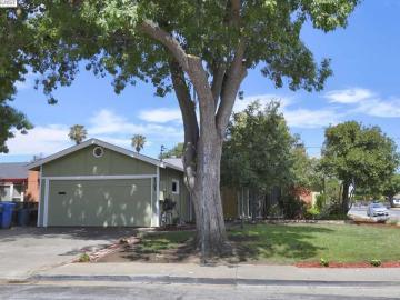 4303 Cahill St, South Sundale, CA