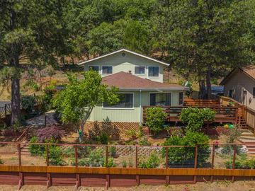 528 Doolan Canyon Dr, Ukiah, CA