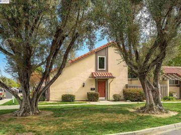 5296 Golden Rd, Park Villas, CA