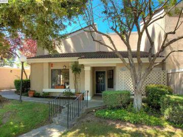 665 Palomino Dr, Oak Tree Villas, CA