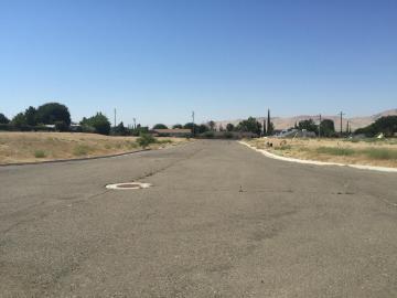 712 Modoc Ave, Avenal, CA