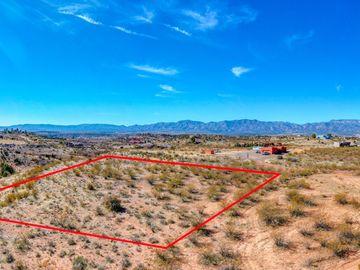 7415 E Sliding Stop Ln, Under 5 Acres, AZ