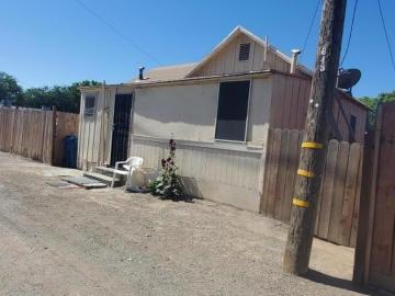 746 1/2 J St, Los Banos, CA