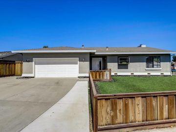 860 Brittany Cir, Hollister, CA