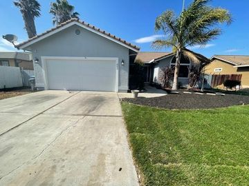 860 Nash Rd, Hollister, CA